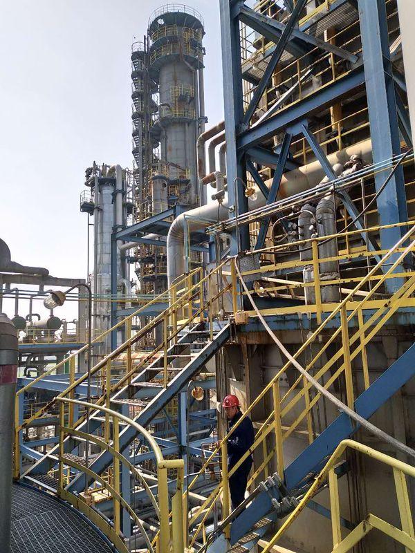 石油化工设备干冰万博体育软件下载现场